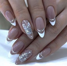 Nail Polish Trends, Nail Design & Art Ideas and Manicure Cute Christmas Nails, Xmas Nails, Chic Nails, Stylish Nails, Simple Gel Nails, Romantic Nails, Nagellack Design, French Tip Nails, Best Acrylic Nails
