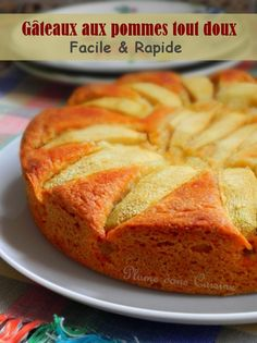 Gâteau aux pommes tout doux A delicious cake with sweet apples, with a soft and mellow texture. With this grandmother apple cakes, enough to remember beautiful memories of childhood. French Apple Cake, Easy Apple Cake, Apple Cake Recipes, Jewish Apple Cakes, Desserts With Biscuits, Good Foods For Diabetics, Caramel Apples, Nutella, Food And Drink