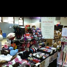 Craft show ideas tips on pinterest craft show displays for Hat display ideas for craft shows