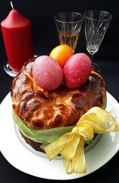 Pasca cu mascarpone si stafide French Toast, Easter, Breakfast, Romania, Food, Mascarpone, Morning Coffee, Easter Activities, Essen
