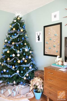 christmas decorating christmas trees and coffee cups - Blue And Gold Christmas Decorations