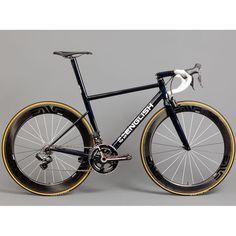 English 16 pound steel aero roadbike #english #steel #aero #roadbike #bikeporn #steelporn #shimano #di2 #justgetthefuckingcamera #ig by utstyrskongen