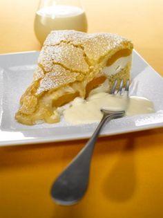 Aprikospaj: Recept på underbar paj som fylls med aprikoser, kesella och citron. Serveras helst ljummen med kall vaniljsås eller lättvispad grädde. - Ett av många läckra recept från Dr. Oetker!
