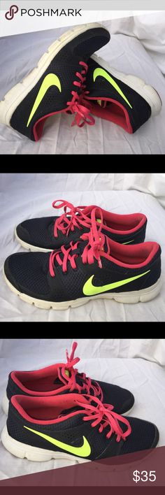 Women's Nike Flex Running size 7 Gently used Nike Shoes Sneakers
