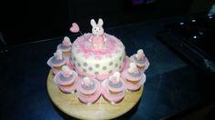 Cake, pink, white, rabbit, cupcakes, name, pois, ballon, heart, torta nascita bimba, Bianca, Rosa, grigia, pois, coniglietto, palloncino a chore, cupcakes con none, pdz, fondent, mmf, pasta do zucchero