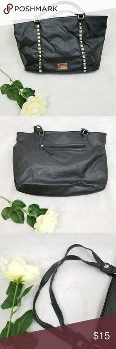 NINE WEST BLACK BAG Nine west black bag. It has some worn on the strap. Nine West Bags