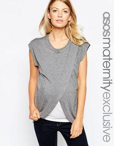 Imagen 1 de Camiseta de lactancia con capa superior cruzada de ASOS Maternity