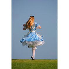 alice in wonderland(: ❤ liked on Polyvore featuring pictures, alice in wonderland, disney, people and backgrounds