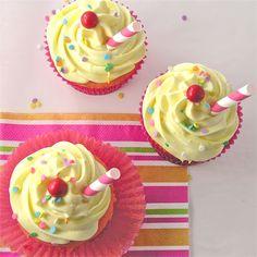 Strawberry Lemonade Cupcakes!
