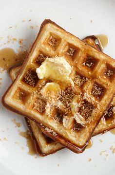 Toasted Coconut Waffles - Coconut oil adds a rich sweetness to this waffle batter; shredded coconut and a quick toast deliver the crunch. Waffle Recipes, Brunch Recipes, Sweet Recipes, Breakfast Recipes, Frozen Waffles, Pancakes And Waffles, Bacon Waffles, Potato Waffles, Savory Waffles