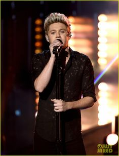 One Direction's AMAs 2015 Performance of 'Perfect' - Watch the Video Now!: Photo #3514858. The guys of One Direction - Harry Styles, Louis Tomlinson, Niall Horan, and Liam Payne - take the stage to perform their hot song