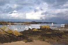 L'archipel sous un ciel d'orage