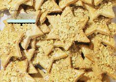 Jedným zprvých drobných pečiviek, ktoré začínam pred Vianocami vypekať, sú škoricové hviezdičky. Sú krehké, chrumkavé amajú jemnú škoricovú chuť. Ideálne khorúcemu čaju alebo varenému vínu. Uná...