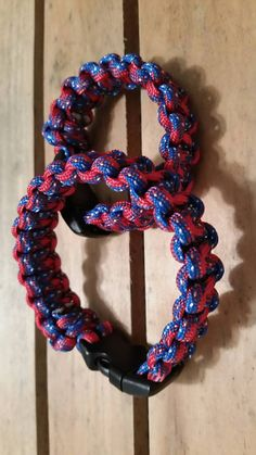 Check out this item in my Etsy shop https://www.etsy.com/listing/270545146/dixie-style-paracord-bracelet