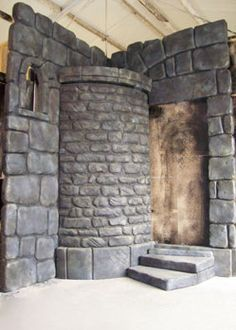 castle scenery prop decoration tower mediaval theme Inside corner for Vulgaria, turn it around and use the outside corner for Potts' home? Halloween Prop, Halloween Decorations, Castle Decorations, Halloween Witches, Halloween Pictures, Chateau Fort Jouet, Theatre Props, Stage Props, Theatre Stage