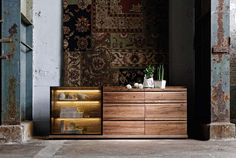 Luxury Furniture in UAE (Dubai and Abu Dhabi) for the most distinguished homes: buy European luxury furniture online and import it to Dubai & Abu Dhabi Online Furniture, Luxury Furniture, Design Show, Abu Dhabi, Contemporary Design, Dubai, Cool Designs, Interior Decorating, Stuff To Buy