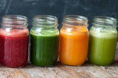 How to stock your kitchen like a juice bar genius? Here are the must-have ingredients every smoothie maven needs in her kitchen pantry. Nutritious Smoothies, Yummy Smoothie Recipes, Juicer Recipes, Fruit Smoothies, Healthy Drinks, Smoothie Shop, Smoothies With Almond Milk, Summer Meal Planning, Juicing For Health