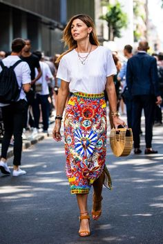 Print pencil skirt  with white T-shirt:    street style milan men fashion week