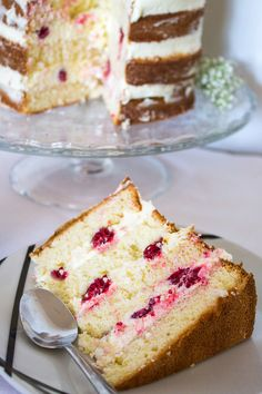 Wedding Cake Recipes 93526 Naked raspberry cake for all occasions! Raspberry Cake, Raspberry Smoothie, Nake Cake, Mascarpone Cake, Salty Cake, Savoury Cake, Cake Pans, Clean Eating Snacks, Vanilla Cake