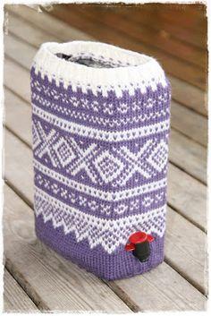 Her bor jeg: Oppskriften på Mariusgenser til vinkartongen - Hello Knit Crochet, Diy And Crafts, Cool Stuff, Knitting, Sewing, How To Make, Tips, Loom Knit, Threading