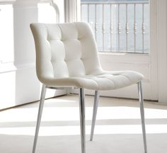 Kuga Chair - Steel Base