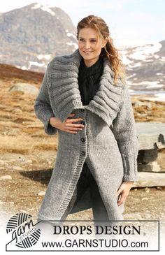 """Gebreid DROPS vest met grote kraag in boordsteek van """"Eskimo"""". Maat S-XXXL. ~ DROPS Design"""