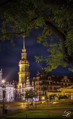 ღღ Dresden Castle, Saxony, Germany