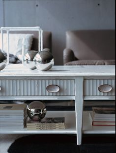 MM530 TAVOLOINO BAINCO ANTICO color. 100% hand made in Italy www.marchettimaison.com