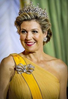 Dutch Queen Maxima Stunned In A Jaw Dropping Stuart Tiara Without Stuart Diamond At The State Banquet 2018 In The Grand Ducal Palace In Luxembourg