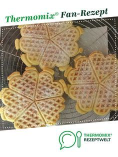 Leckerste Waffeln ever 😋 von senkblei. Ein Thermomix ® Rezept aus der Katego… Tastiest waffles ever senk by senkblei. A Thermomix ® recipe from the Baking Sweet category www.de, the Thermomix® Community. Slow Cooker Recipes, Low Carb Recipes, Crockpot Recipes, Baking Recipes, Soup Recipes, Healthy Snacks For Adults, Healthy Desserts, Thermomix Desserts, Easter Recipes