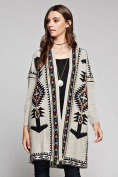 Tribal Print Sweater. | pinkshadebykimberly.com