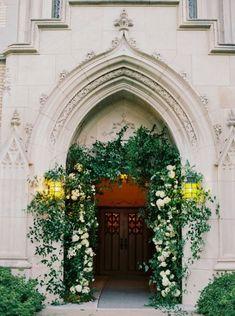 Classic Dallas Wedding with a Dream Oscar De La Renta Gown Trendy Wedding, Floral Wedding, Perfect Wedding, Wedding Flowers, Wedding Ideas, Wedding Inspiration, Wedding Arches, Dream Wedding, Wedding Stuff