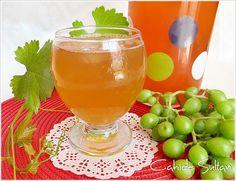 grape sherbet (not ripe grape) koruk şerbeti Turkish Recipes, Hurricane Glass, Smoothies, Tableware, Food, Allah, Pasta, Smoothie, Dinnerware