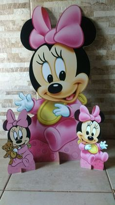 Display Minnie baby no Elo7 | MISTER BRINQ (C7B72A) Minnie Mouse Cartoons, Mickey Mouse Parties, Minnie Baby, Baby Disney, Baby First Birthday, 1st Birthday Parties, Mini Mouse Baby Shower, Decoupage Paper, Baby Party