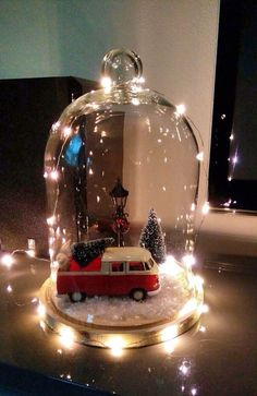 Provencal decoration: decorate your home with this style - Home Fashion Trend Christmas Lanterns, Christmas Jars, Silver Christmas, Christmas Centerpieces, Country Christmas, Xmas Decorations, Christmas Home, Vintage Christmas, Christmas Holidays