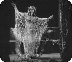 "Theda Bara in ""Cleopatra"" (1917)"