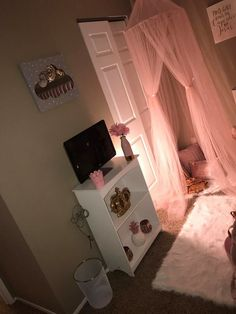 Simply dreamy Teen Girl Bedrooms for gorgeous room makeover, info 6342642081 Teen Girl Bedrooms, Little Girl Rooms, Cute Bedroom Ideas, Toddler Rooms, Daughters Room, Dream Rooms, My New Room, Room Decor Bedroom, Room Inspiration