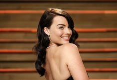 Margot Robbie Hot 'Wolf of Wall Street' Actress Goes Brunette at the 86th Academy Awards 2014 Show