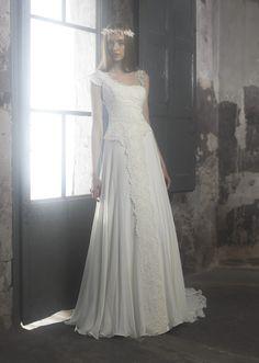 Maravillosa colección de vestidos de novia de Raimon Bundó.