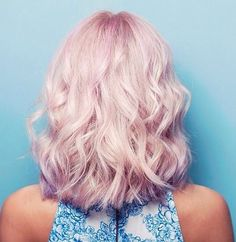 wavy lob hairstyle in pale pink hair color More at http://www.hairchalk.co/ #haircolor #newhairdontcare #hairchalk