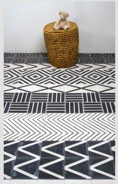 Stripes of the random pattern tile
