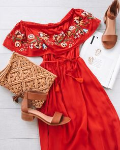Gorgeous women's maxi dress with embroidered details at the top and an off the shoulder fit. Perfect for summer BBQs and picnics as a Modest Dresses, Casual Dresses For Women, Sexy Dresses, Trendy Outfits, Cute Outfits, Fashion Outfits, Clothes For Women, Ladies Dresses, Sleeve Dresses
