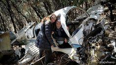 Revisant les restes de l'avioneta accidentada el 2010