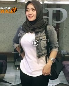Share from fans . Just DM to share photos. Casual Hijab Outfit, Hijab Chic, Hijab Dress, Beautiful Hijab Girl, Beautiful Muslim Women, Skirt Fashion, Hijab Fashion, Fashion Outfits, Muslim Women Fashion