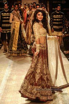 Jacqueline Fernandez for LFW '14: Anju Modi