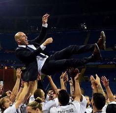 Sukses menjadi pemain dan juga menjadi pelatih