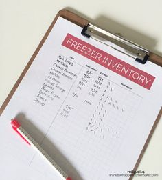 Free Printable Freezer Inventory Get your freezer under control and make meal planning a easier with this free freezer inventory printable-never deal with freezer burn again! Budget Freezer Meals, Freezer Burn, Freezer Food, Budget Recipes, Frugal Meals, Food Storage Organization, Planner Organization, Organizing, Planning Budget