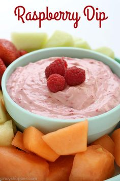 Raspberry Fruit Dip Recipes If you are making a fruit tray, you will want to include this Raspberry Dip for dipping. Just 4 ingredients are needed and it is so super simple to mak. Orange Creamsicle, Dip Recipes, Fruit Recipes, Fruit Dips, Fruit Trays, Healthy Recipes, Raspberry Fruit, Strawberry Fluff, Raspberry Recipes