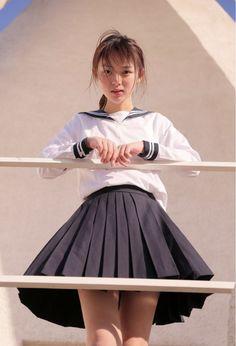 School Girl Japan, School Uniform Girls, Japan Girl, Cute Asian Girls, Cute Girls, Beautiful Japanese Girl, Girls Fashion Clothes, Sailor Fashion, Cute Girl Photo