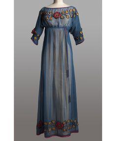 Paul Poiret, vers 1908. http://www.vogue.fr/culture/a-voir/diaporama/la-haute-couture-s-expose-a-paris/12166/image/735114#paul-poiret-vers-1908